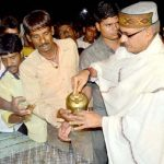 Shivraj Singh Chouhan as tea vendor in Ujjain